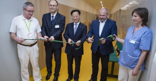 Slávnostné otvorenie nových oddelení na FNsP